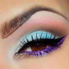 great makeup look using bright colors!