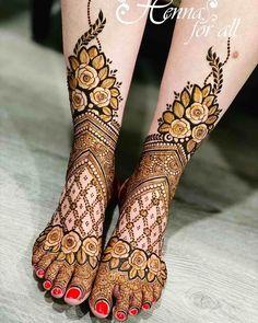 25+ Trending Foot Mehendi Designs For 2021 Brides - Wedbook Wedding Henna Designs, Floral Henna Designs, Mehndi Designs Feet, Latest Bridal Mehndi Designs, Full Hand Mehndi Designs, Stylish Mehndi Designs, Mehndi Designs 2018, Henna Art Designs, Mehndi Designs For Beginners