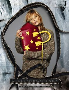 Kate Moss back to Stella McCartney Fall/Winter 2014 campaign. The ubiquitous Kate Moss is revealed as the face of Stella McCartney Moss Fashion, Big Fashion, Autumn Fashion, Fashion Tape, Quirky Fashion, Fashion Beauty, Kate Moss, Edie Campbell, Winter Trends