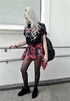 What do you have when you mix Grunge and Nu-goth? You have Dark Grunge! Check out these awesome 23 cool Dark Grunge outfit Ideas & get inspired! #grungeoutfits #womensfashionvintageinspiration