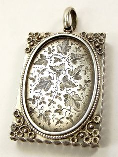 Victorian Sterling Silver Book Shaped Locket Ivy Leaf Cartouche Victorian Jewelry, Antique Jewelry, Silver Jewelry, Silver Charms, Charm Jewelry, Jewelry Art, Antique Locket, Ivy Leaf, Silver Lockets