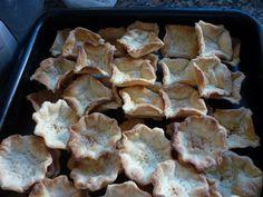 Masa crocante de tartaletas caseras o tartas. Ver receta: http://www.mis-recetas.org/recetas/show/40022-masa-crocante-de-tartaletas-caseras-o-tartas