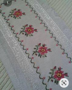 Cross Stitch Borders, Cross Stitching, Cross Stitch Embroidery, Cross Stitch Patterns, Hand Embroidery Design Patterns, Fair Isle Knitting Patterns, Crochet Cross, Crochet Granny, Loom Knitting