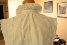 Lace insertion tutorial for an Italian partlet on MorganDonner.com.