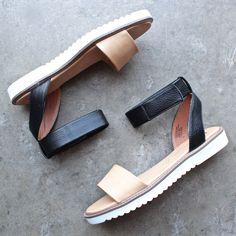 bc footwear minimalist jaguar sandal in black + tan