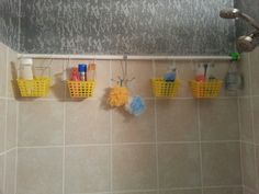 DIY shower caddy Dollar store buckets, zip ties/shwr curtain rings, and a shower rod Shower Rod, Diy Shower, Kitchen Ornaments, Shower Curtain Rings, Shower Curtains, Tub Remodel, Diy Home Decor On A Budget, Curtains With Rings, Trendy Home