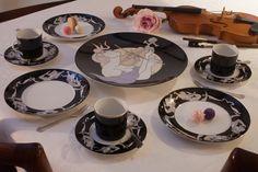 """""""Impromptu"""" fine #dinning #platinum #porcelain #showplate #chargerplate #coffeecup #colourful #pastel #platinum #details #artist #kunst #porcelæn #kaffe #farver #elizabethromhild #hjem #bolig #living #chic #lifestyle"""