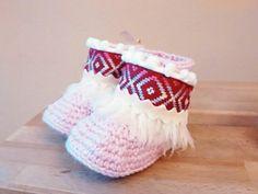 Botas étnicas de bebé en crochet. 100% lana merino. x