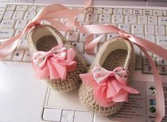 Peachy Dotted Bow Ecru Wool Crochet Baby Booties - 4 Sizes - 0-3mo, 3-6mo, 6-9mo, 9-12mo - Please Specify Size Upon Purchase