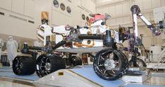 NASA  va lansa spre  Marte , sambata,  roverul Curiosity ,  cel mai sofisticat robot  creat de  Agentia spatiala americana  pentru a explora o alta planeta, care va avea misiunea de a afla daca  planeta rosie  a oferit in trecutul ei conditii...