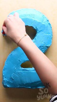 Cake Decorating Frosting, Cake Decorating Designs, Creative Cake Decorating, Cake Decorating Videos, Cake Decorating Techniques, Creative Cakes, Creative Food, Cake Designs, Fun Baking Recipes