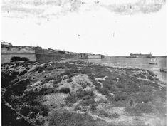 Heraklion - Τα νέα τείχη του προμαχώνα Σαμπιονάρα στη θάλασσα Crete Island, Heraklion, Old Maps, Vintage Photos, The Past, City, Places, Walls, Photography