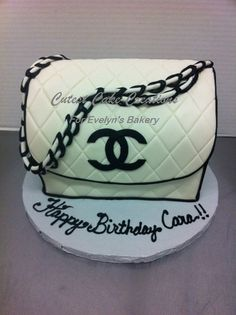 Chanel hand bag by EvelynsBakery