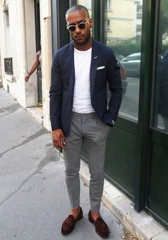 ネイビージャケット,グレースラックス,白Tシャツ,メンズファッション着こなしコーデ