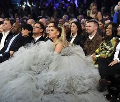 Ariana Grande's Dress at the 2020 Grammy Awards Ariana Grande, Bae, New Street Style, Song Of The Year, Foto E Video, Wedding Bells, My Idol, Fashion Beauty, Celebrity Style