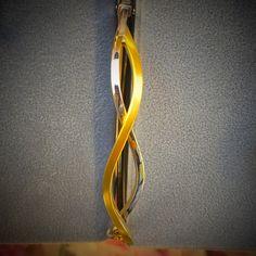 Pulsera rígida en oro amarillo de ley y oro blanco de ley para el Día de la Madre