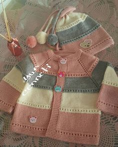 Knit Little Peach Baby Poncho Free Knitting Pattern Baby Cardigan Knitting Pattern Free, Kids Knitting Patterns, Baby Sweater Patterns, Knit Baby Sweaters, Baby Hats Knitting, Knitting Blogs, Knitting For Kids, Baby Patterns, Baby Poncho