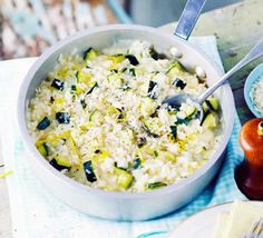 Courgette (zucchini) & lemon risotto An easy vegetarian one-pot risotto - simply stir in your seasonal veg, simmer and enjoy Bbc Good Food Recipes, Veggie Recipes, Vegetarian Recipes, Cooking Recipes, Savoury Recipes, Veggie Dinners, Lemon Risotto Recipes, Veggie Delight, Risotto