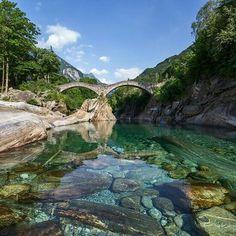 Valle Verzasca, nördlich von Locarno, rechter Hand auf der Straße nördlich vorbei am Lago di Vogorno