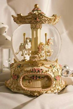 Both the carousel and the snow globe want it in a combination ! Both the carousel and the snow globe want it in a combination ! Princess Aesthetic, Belle Aesthetic, Aesthetic Dark, Water Globes, Carousel Horses, Aesthetic Vintage, Aesthetic Pictures, Aesthetic Wallpapers, Merry
