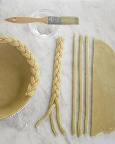 A unique way to decorate your pie crust this Thanksgiving.