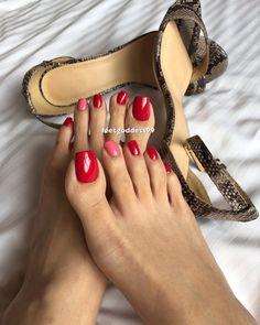 Pretty Toe Nails, Cute Toe Nails, Pretty Toes, White Toenails, Long Toenails, Beautiful Toes, Lovely Legs, Nice Toes, Foot Pics
