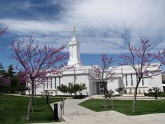 Browse a photograph gallery of beautiful images captured of the Colonia Juárez Chihuahua Mexico Temple of The Church of Jesus Christ of Latter-day Saints. Mormon Temples, Lds Temples, Brindle Pug, Natural Bristle Brush, Latter Day Saints, Heaven On Earth, Lds Org, Mexico, Chihuahua Mexico