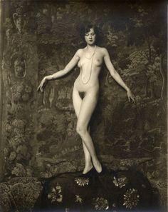 vensuberg:  Arthur Cheney Johnston Ziegfeld Girl photo