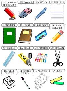 Des affiches et des étiquettes avec le matériel scolaire.