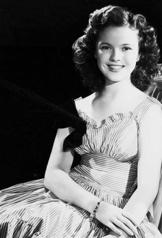 Shirley Temple in Miss Annie Rooney (1942).