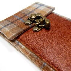 iPhone 5 wallet brown and blue vintage plaid by MariForssell Wool Fabric, Brass Color, Antique Brass, Brown Leather, Coin Purse, Plaid, Wallet, Iphone, Canvas