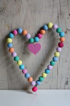Wire and colored beads #kids #craft #DIY #valentines #gift