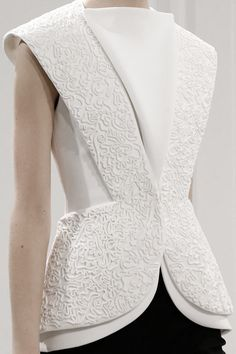 Layers, structure & scribble-like piping; white on white fashion details // Balenciaga