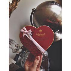 #charbonneletwalker #luxurychocolate #valentinesgift #fashionblogger