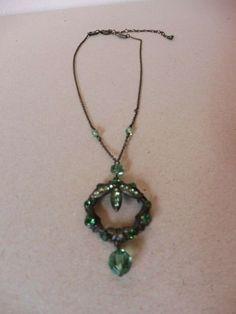 Konplott Kette mit Anhänger, ca. 45 cm, grüne Steine, wunderschön! Pendant Necklace, Beauty, Jewelry, Fashion, Green Stone, Stones, Nice Asses, Jewellery Making, Moda