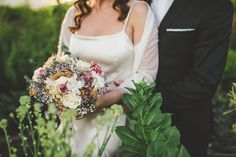 Boda Mediterranea. Fotografo boda Girona Hostal Empuries. Vestido de novia de Cortana. Por Raquel Benito.  Mediterranean wedding in Girona, Spain. Cortana's Wedding dress. By Raquel Benito