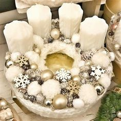 Stunning Christmas Sweater Wreath Advent Candles Decoration Ideas - Page 24 of 55 - Chic Hostess Christmas Advent Wreath, Xmas Wreaths, Christmas Table Decorations, Christmas Candles, Diy Christmas Gifts, Advent Wreaths, Mery Chrismas, Deco Table Noel, Advent Candles