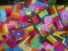 Taies d'oreiller patchwork et fleurs en applique