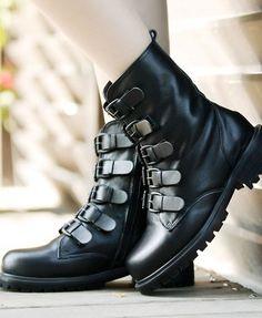 Black Boots...Bronwyn's style