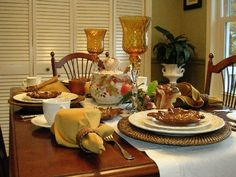 Beautiful Thanksgiving Tablescapes by Between Naps on the Porch.