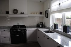 Handgemaakte keuken met schouw.