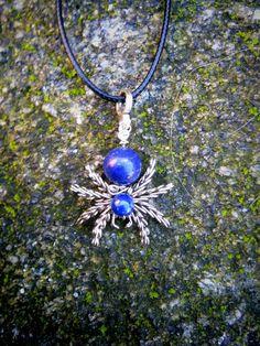 Colgante araña hecho a mano en plata alemana y por PabloPietra