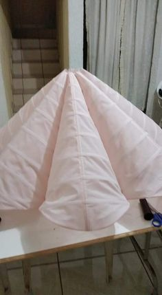 Best 12 In this video I share my process on how I create my panel petticoat that I will be installing in my Moda Origami, Crinoline Skirt, Petticoats, Circle Skirt Pattern, Costura Fashion, Couture Sewing Techniques, Dress Sewing Patterns, Skirt Patterns, Pattern Cutting