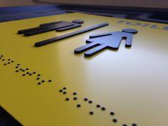 Plaque acrylique inscription braille +lettre relief pour mal voyant. Détail de la gravure en relief Plaque Pvc, Braille, Relief, Gravure