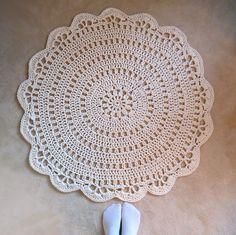 Häkelteppich Betsy • Kostenlose Häkelanleitung. #häkeln #teppich #anleitung #crochet #patterns #carpet #rund #häkelanleitung #kostenlos