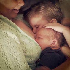 Experiência de amamentação Extended Breastfeeding, Stopping Breastfeeding, Breastfeeding In Public, Breastfeeding Support, Tandem, Asian Babies, Baby Health, Breastfeeding, Pregnancy