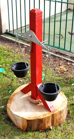 Balance Scales / Interactive Elements / Infinite Playgrounds - great way to incorporate math and science learning into your outdoor play space! Outdoor Learning Spaces, Kids Outdoor Play, Outdoor Play Areas, Backyard For Kids, Outdoor Toys, Backyard Games, Outdoor Games, Outdoor Fun, Diy Playground