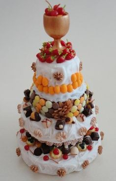 Cake monster - inspired by Caréme (Orsi's Miniatures)