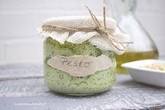 Pasta Pesto w Bezgrzesznym Stylu Fit Wegańskie. asta pesto to świetny dodatek do kanapek, czyli smarowanie zamiast masła lub margaryny.