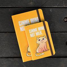 O Up Notes é um caderninho produzido artesanalmente com ilustração exclusiva. A estampa é divertida e cheia de atitude. Ideal para levar na bolsa ou deixar no cantinho de anotações do escritório. www.best4pets.com.br